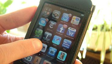 87% dos consumidores vai recorrer ao mobile nas compras de Natal