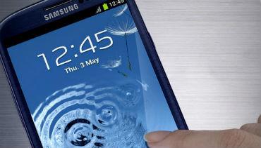 Apple e Samsung distanciaram-se da concorrência em 2012
