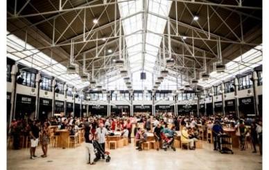 Time Out Mercado da Ribeira de malas feitas para o mundo