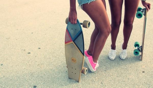 Pranchas de skate com nome de MILFs