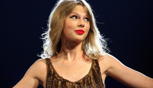 Taylor Swift vai ter jogo para smartphone
