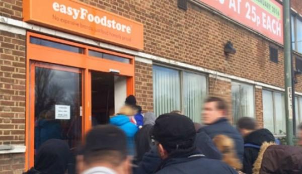 Supermercado da easyJet fecha por ruptura de stock