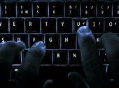 Hacker de 10 anos descobre falha no Instagram