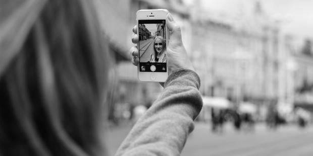 Huawei vai explorar história das selfies