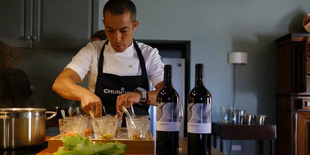 Churchill's fecha parceria com chef Vítor Sobral