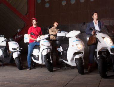Uber fecha parceria com motas Cooltra