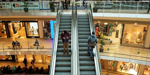 escadas rolantes centro comercial shopping compras 1