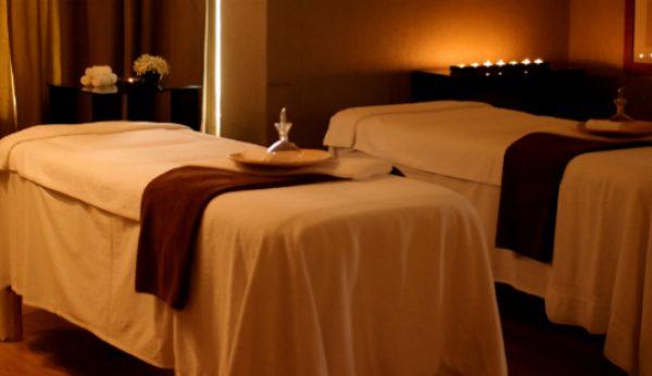 Amor é uma massagem a dois no Crown Plaza