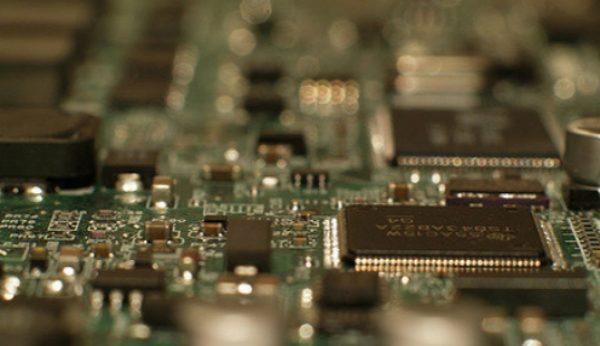 Dell cria jóias a partir de computadores reciclados