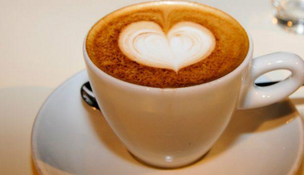 Banco Alimentar lança primeira campanha em cafés
