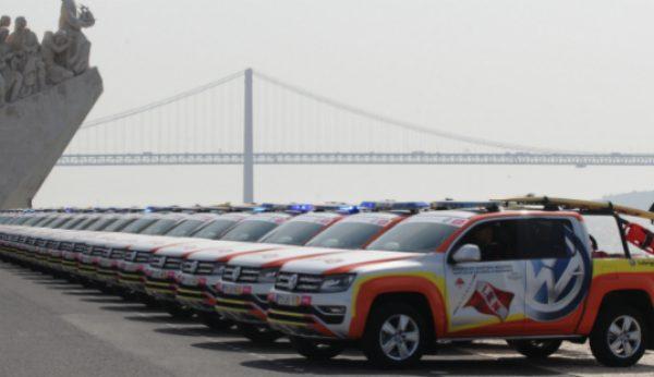 Frota de Volkswagen Amarok apoia socorro a banhistas