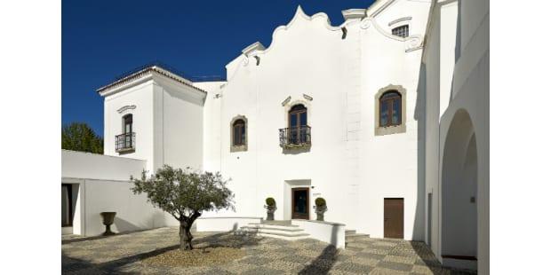 Convento do Espinheiro recebe jantares a quatro mãos
