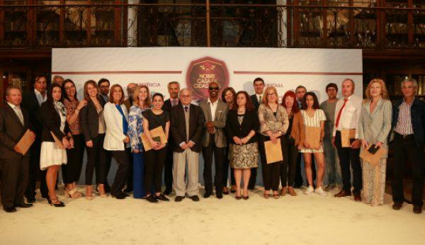 Nobre homenageia 11 cidadãos portugueses