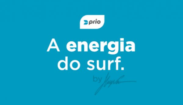 Surfista Hugo Vau vai às praias ensinar a apanhar lixo