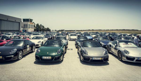 300 automóveis Porsche rumam ao Estoril
