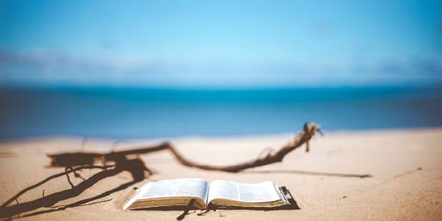 Vendedor ambulante da Fnac vai vender livros na praia