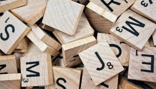 Scrabble já aceita palavras como emoji e hashtag