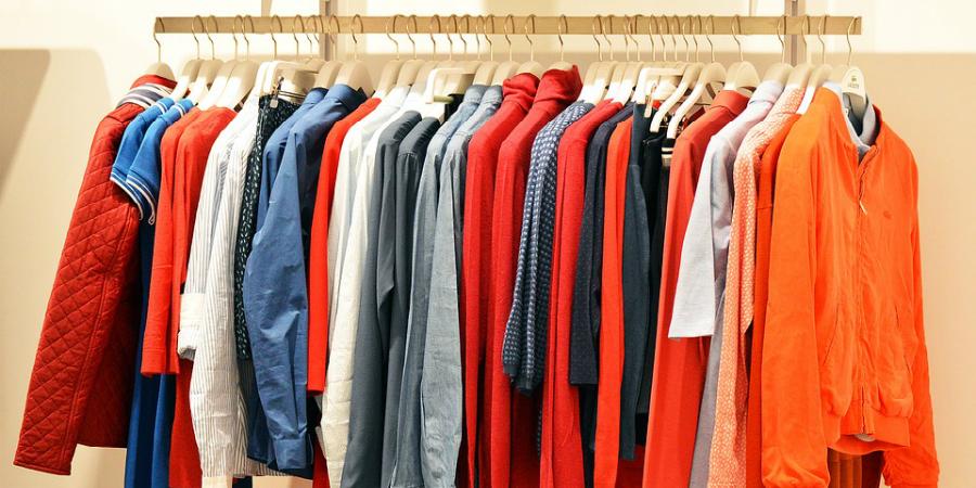 roupa loja cabide