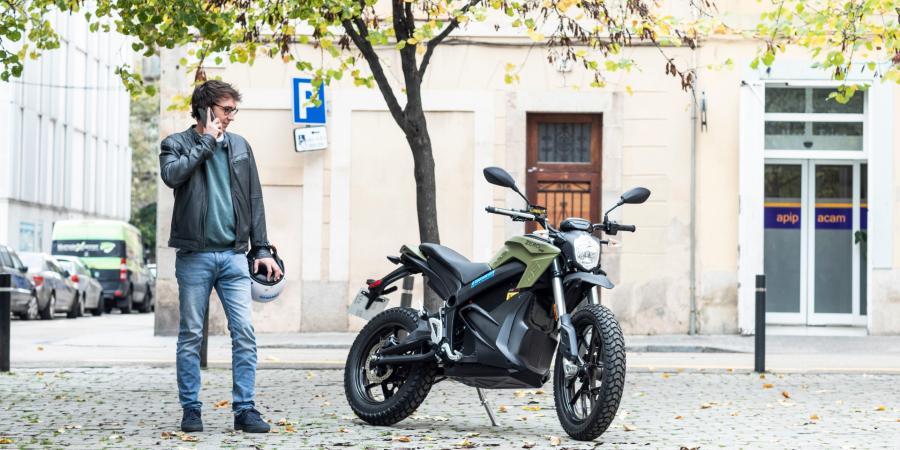Novas motas eléctricas da Cooltra chegam aos 139 km/h
